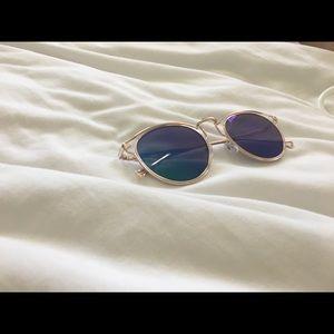 Cute BRAND NEW sunglasses!